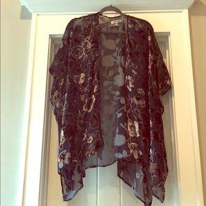Other - Kimono with velvet flower detail